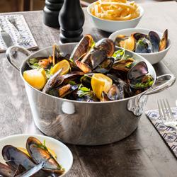 Servírovanie morských plodov a rýb
